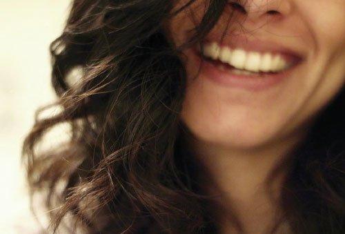Blanqueamiento dental en clínica y en casa